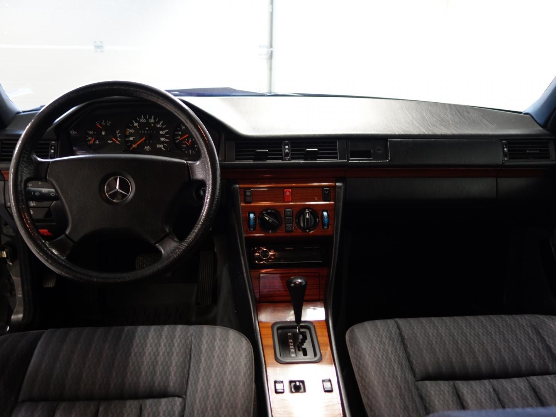 Mercedes-Benz 250