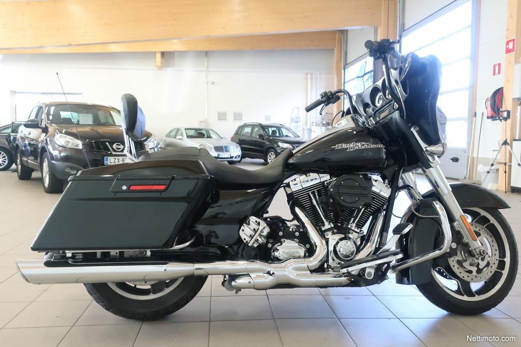Harley-Davidson Touring,  FLHX Street Glide