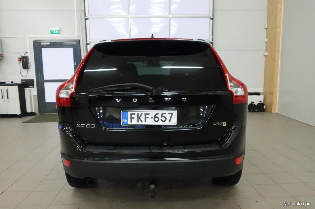 Volvo XC60, D3 DRIVe Kinetic Jopa ilman käsirahaa!