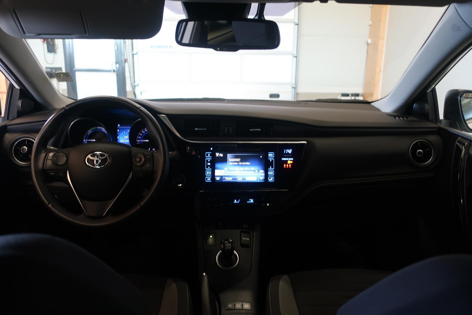 Toyota Auris, 1.8 HSD Hybrid Active Jopa ilman käsirahaa!