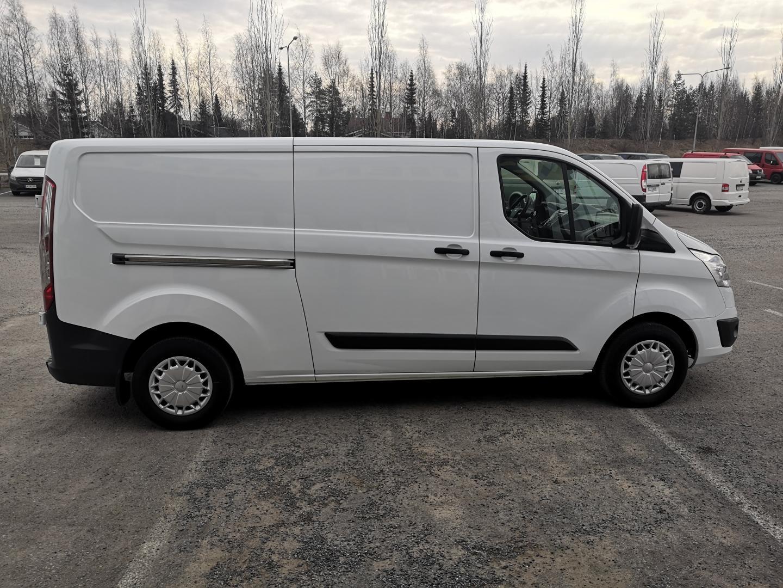 Ford Transit Custom, 310 L2H1 TREND 2.2TDCi 125HV PARIOVET PITKÄ MALLI VETOKOUKKU SIS 24% ALV