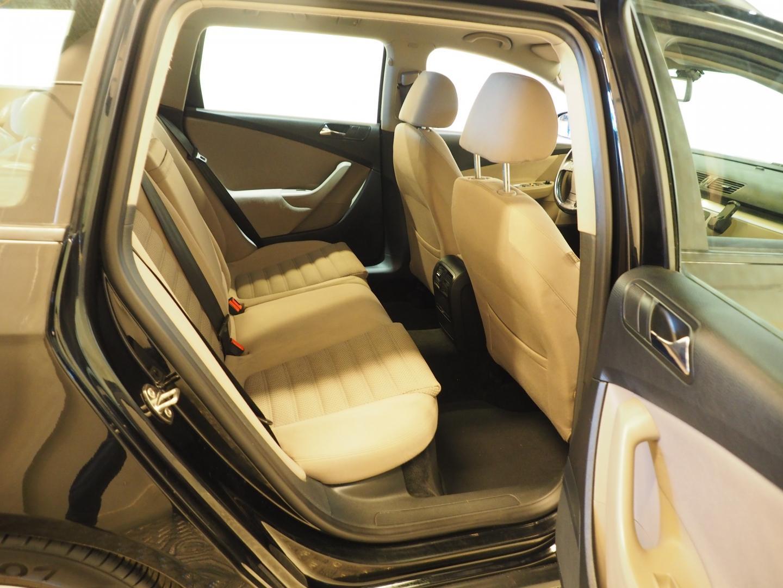 Volkswagen Passat, Variant 2.0 TDI PwD 125 Sportline DSG HIENO.