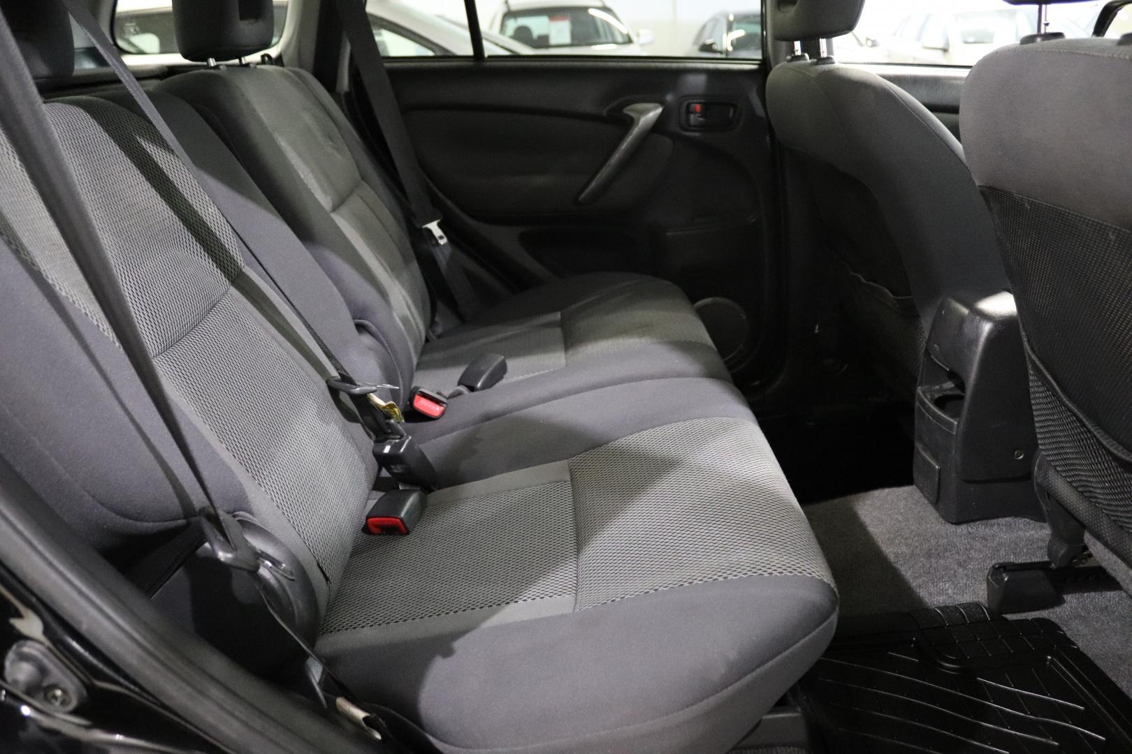 Toyota RAV4, 2.0 VVT-i 4WD 5d