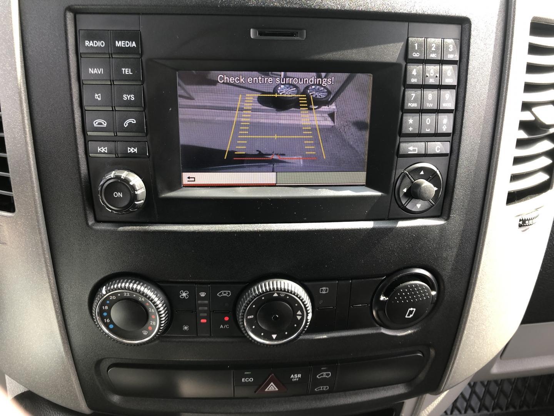 Mercedes-Benz Sprinter, 319 CDI SORTIMON KALUSTEET! P-KAMERA VETOKOUKKU SIS 24%ALV