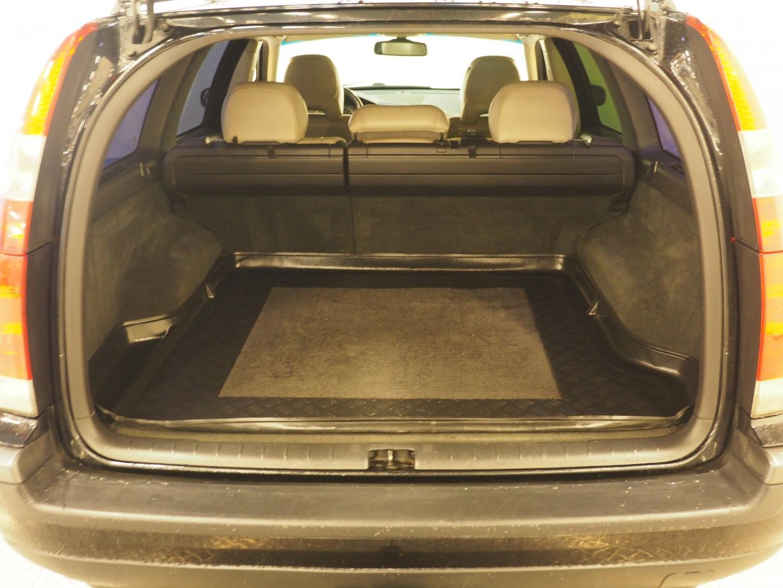 Volvo V70, 2.5T Business Sportswagon 209HV, juuri katsastettu.