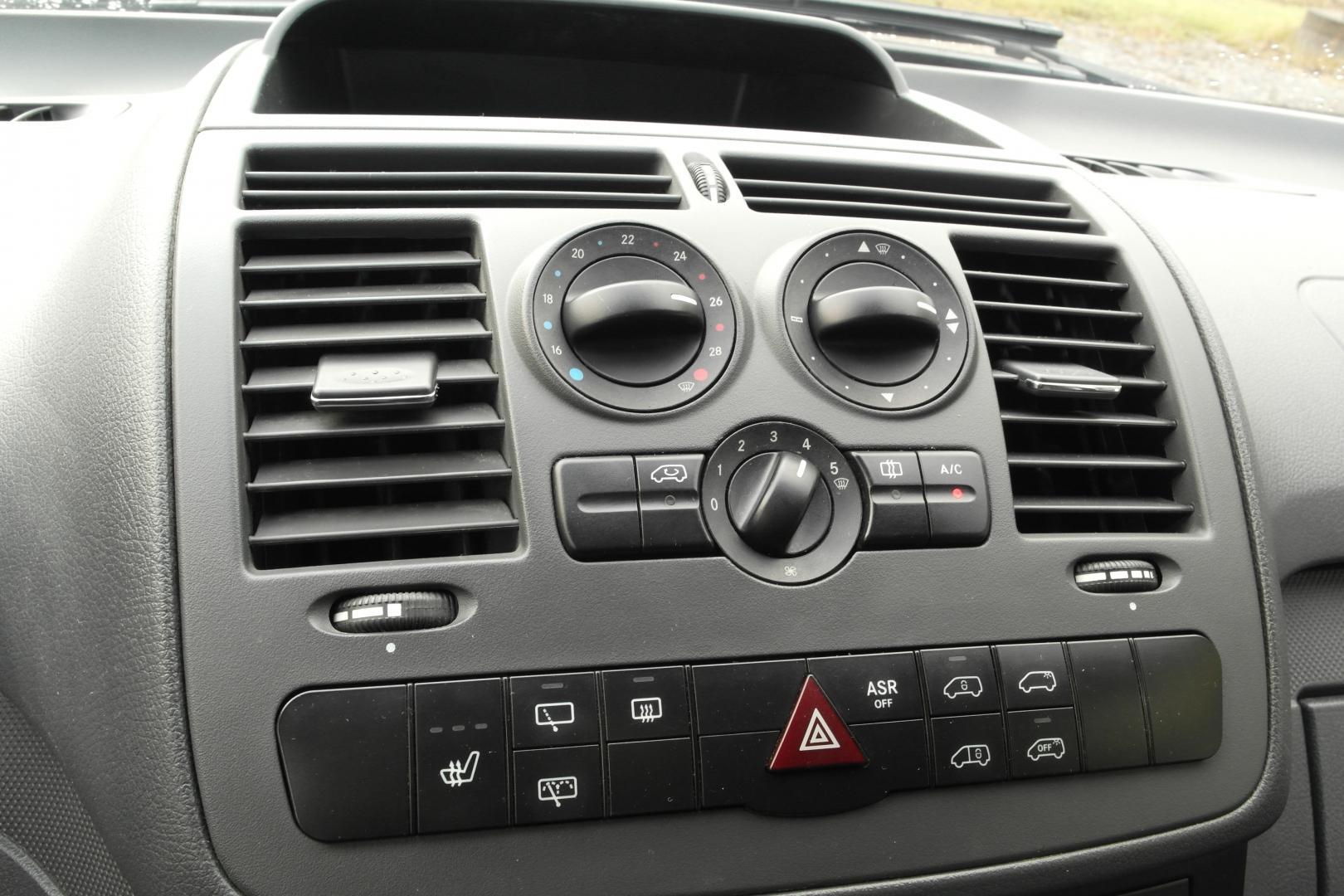 Mercedes-Benz Vito, 116CDI 4X4 AUTOMAATTI KAUKOWEBASTO VETOKOUKKU SIS 24% ALV